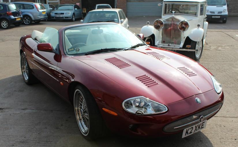 Jaguar Bonnet Louvres